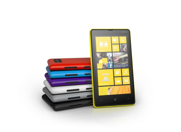 700-nokia-lumia-820-color-range